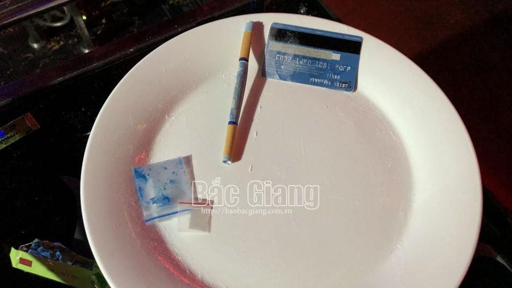 Bắc Giang, Phát hiện,  nam, nữ, sử dụng, trái phép, chất ma túy ,tại quán Karaoke, công an, Việt Yên