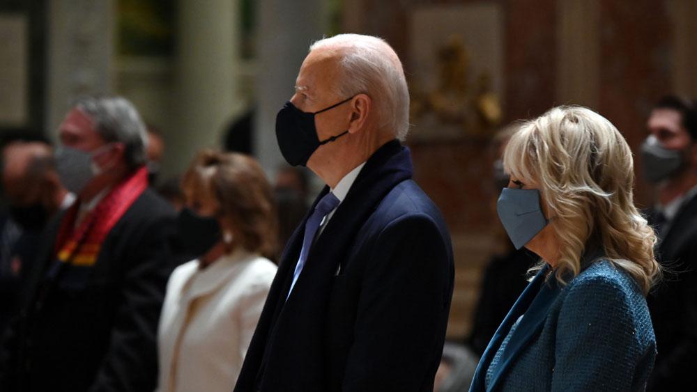 Tổng thống Mỹ đắc cử Joe Biden tham dự lễ diễu hành tại Thủ đô Washington