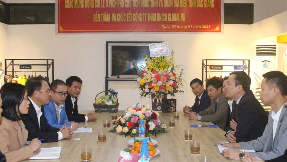 Vice Chairman of provincial People's Committee, Le O Pich, pre-Tet visits , FDI enterprises
