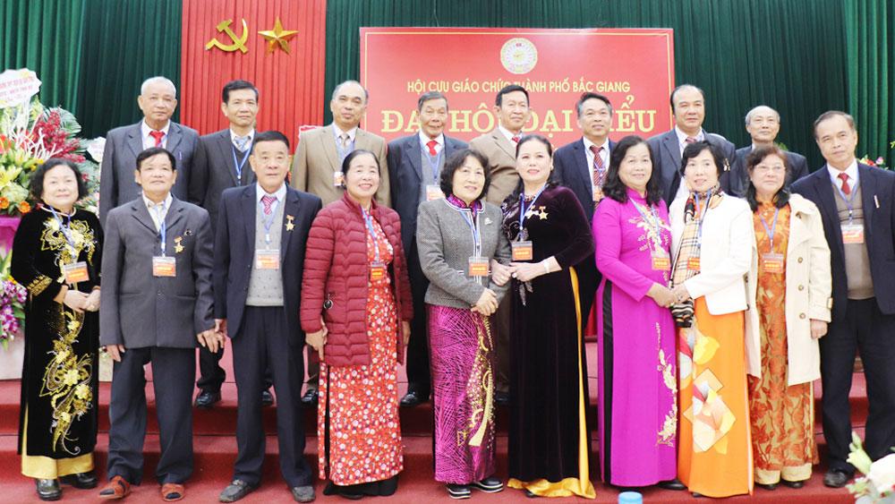 19 đồng chí được bầu vào Ban Chấp hành Hội Cựu giáo chức TP Bắc Giang