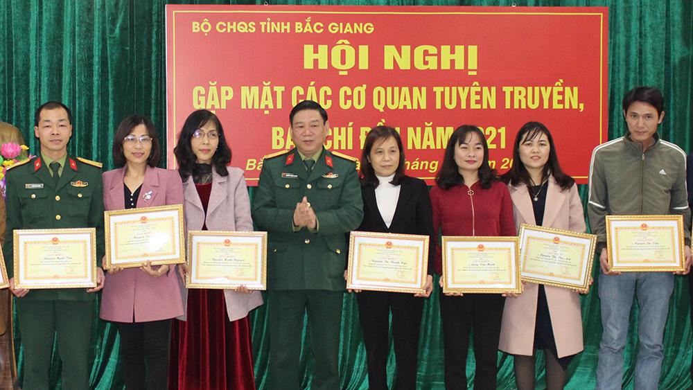 Phối hợp chặt chẽ trong tuyên truyền các hoạt động của lực lượng vũ trang tỉnh Bắc Giang