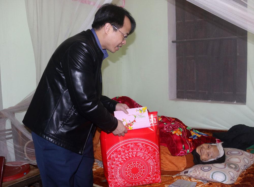 Bắc Giang, Việt yên, người có công, tặng quà tết