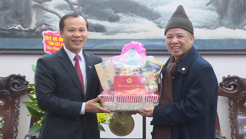 Phó Chủ tịch Thường trực UBND tỉnh Mai Sơn thăm, chúc tết các chức sắc tôn giáo
