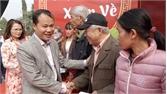 Phó Chủ tịch Thường trực UBND tỉnh Mai Sơn tặng 200 suất quà Tết cho hộ nghèo huyện Hiệp Hòa