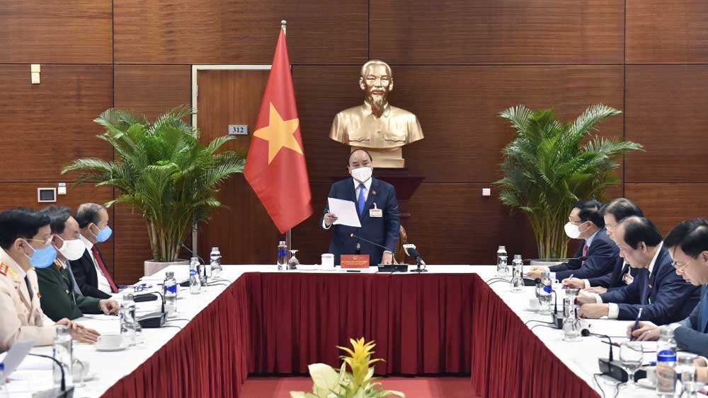 PM, residents in Hai Duong, Quang Ninh, localities