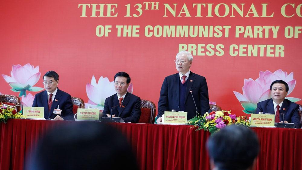 Tổng Bí thư, Chủ tịch nước Nguyễn Phú Trọng chủ trì buổi họp báo sau Đại hội