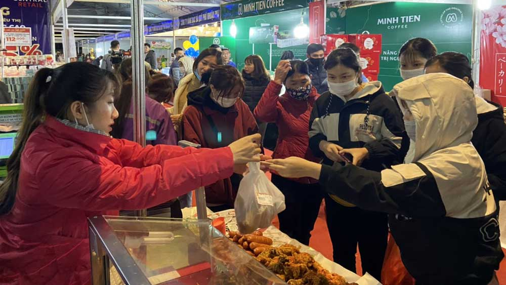 Made in Vietnam goods dominate the Bac Giang market ahead Tet