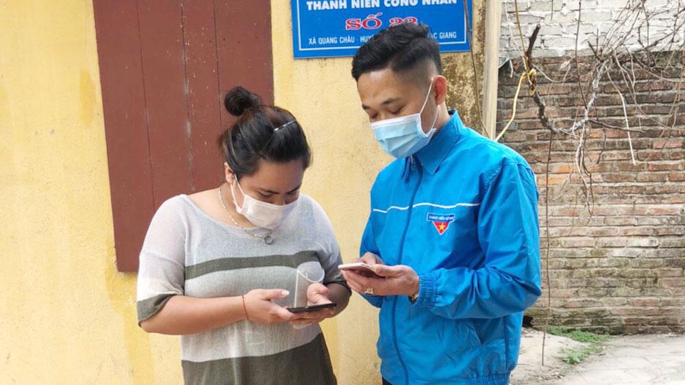 Việt Yên (Bắc Giang): Tuyên truyền, hướng dẫn người dân sử dụng Bluezone