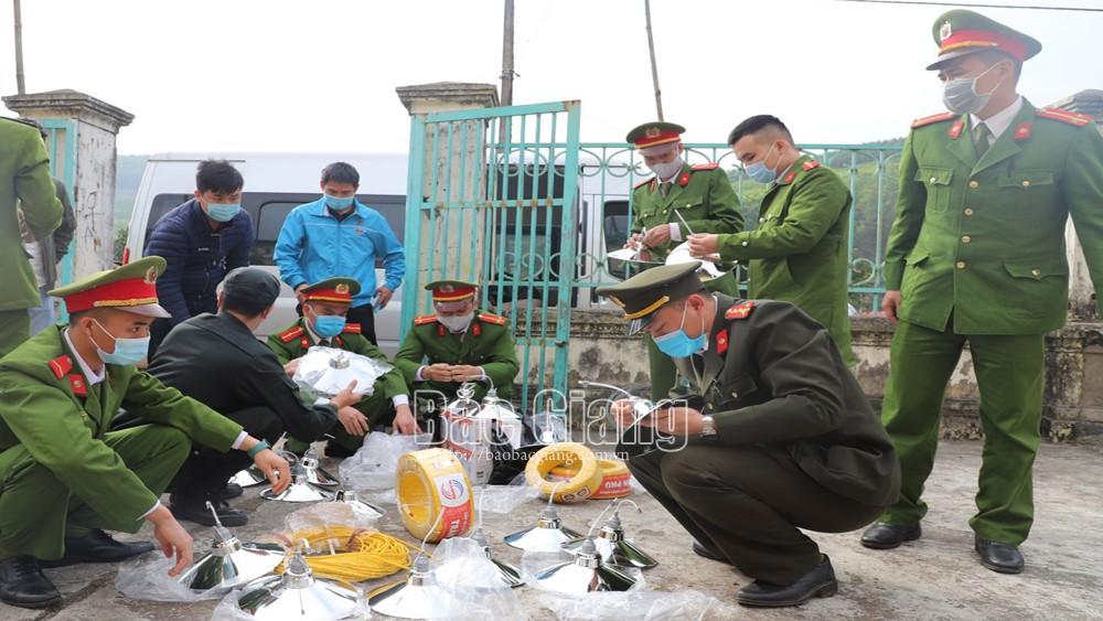 Bắc Giang: Tuổi trẻ Công an tỉnh hỗ trợ người nghèo vùng cao đón Tết