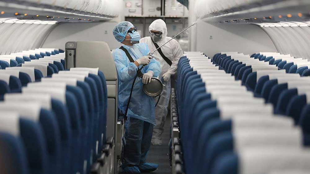 Vietnam aviation industry ramps up Covid-19 fight amid outbreaks