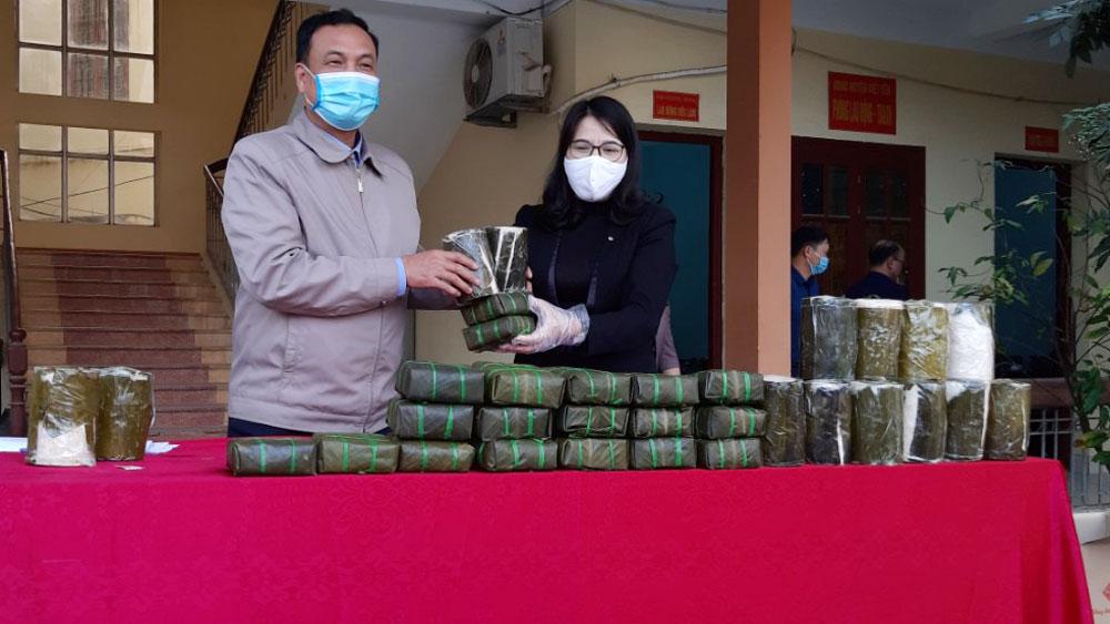 Việt Yên: Hỗ trợ bánh chưng, giò cho trẻ mồ côi, người già neo đơn