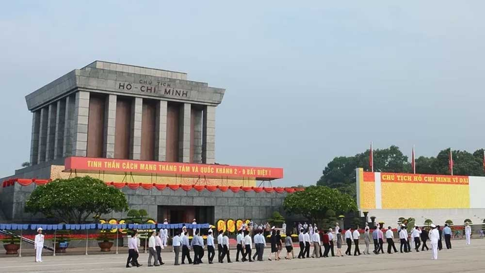 Ho Chi Minh Mausoleum to open on Lunar New Year