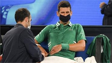 Djokovic thoát hiểm ở vòng ba Australia Mở rộng