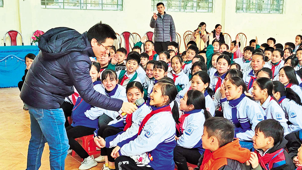 Giáo dục niềm tin vào khát vọng hướng thiện của con người