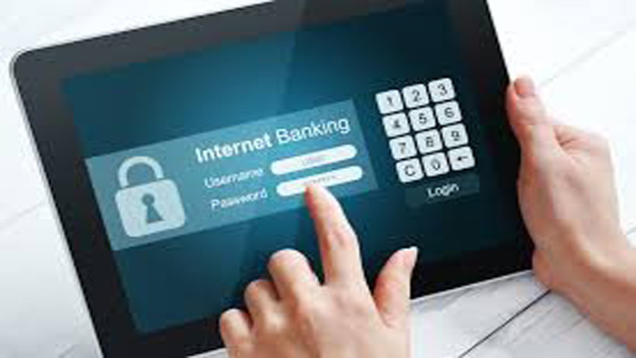 """Cảnh báo mất tiền vì tin nhắn mạo danh ngân hàng """"tặng quà lì xì"""" năm mới"""