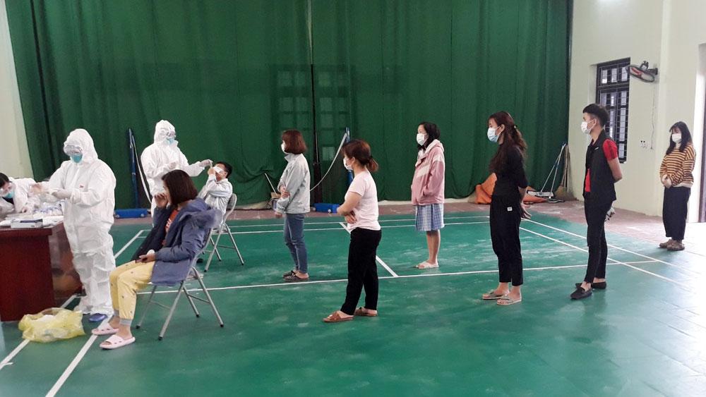 Việt Yên: Lấy mẫu xét nghiệm virus SARS-CoV-2 cho công nhân ở các khu nhà trọ