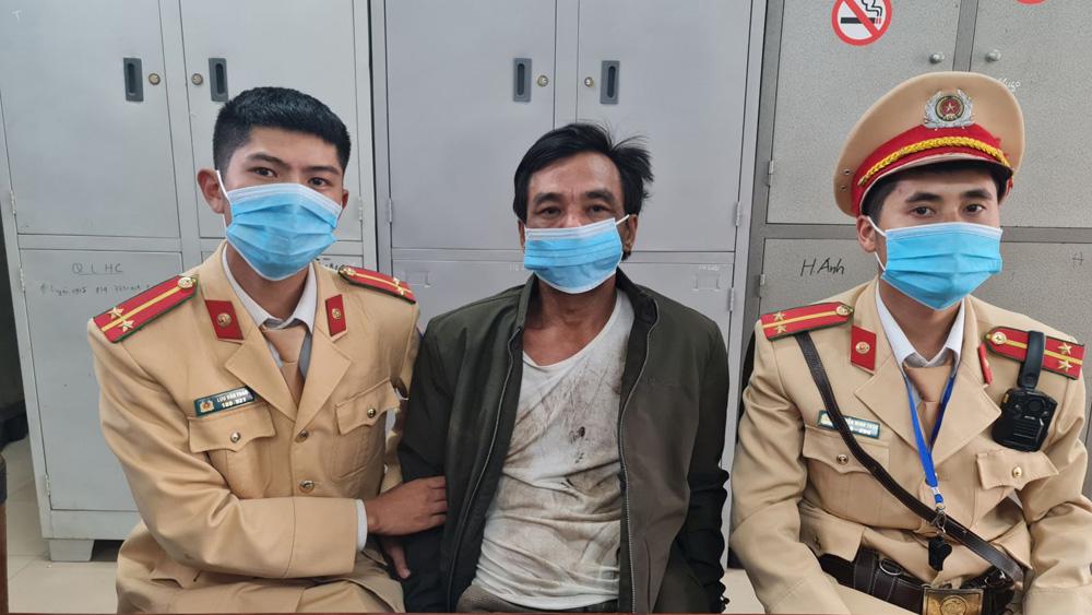 Bắc Giang: Tạm giữ đối tượng vi phạm giao thông, đập máy đo nồng độ cồn