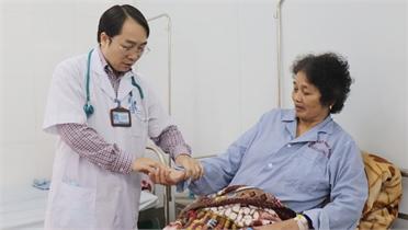 Ngày Thầy thuốc Việt Nam 27/2: Góp sức giành sự sống cho người bệnh