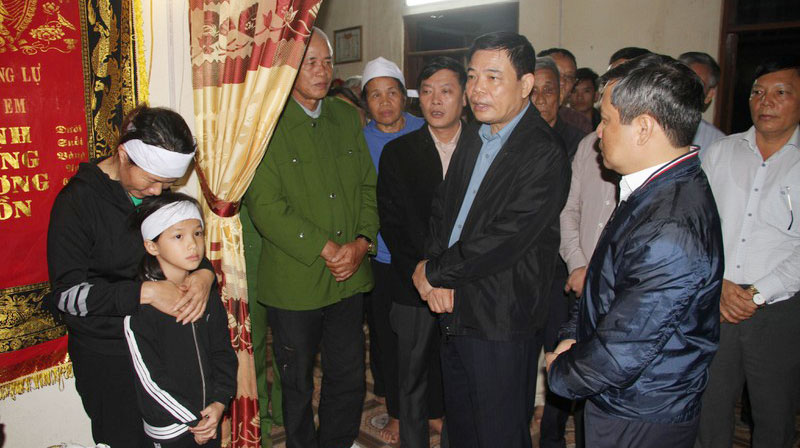 Huân chương Lao động hạng Ba, Chủ tịch xã quên mình cứu dân, Quảng Bình, Phan Thanh Miên