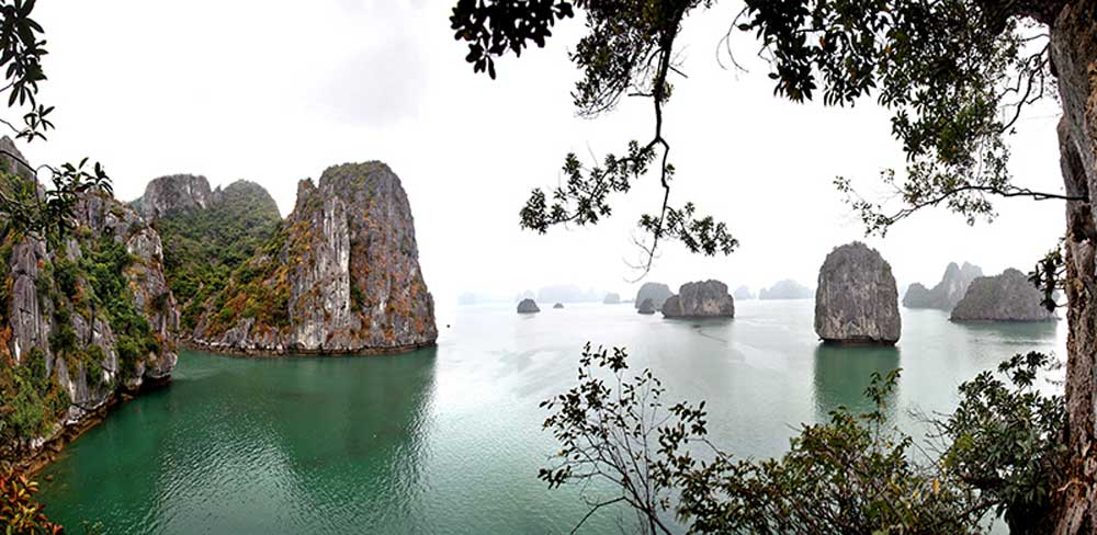 The mesmerizing view, Ha Long Bay, 4 seasons