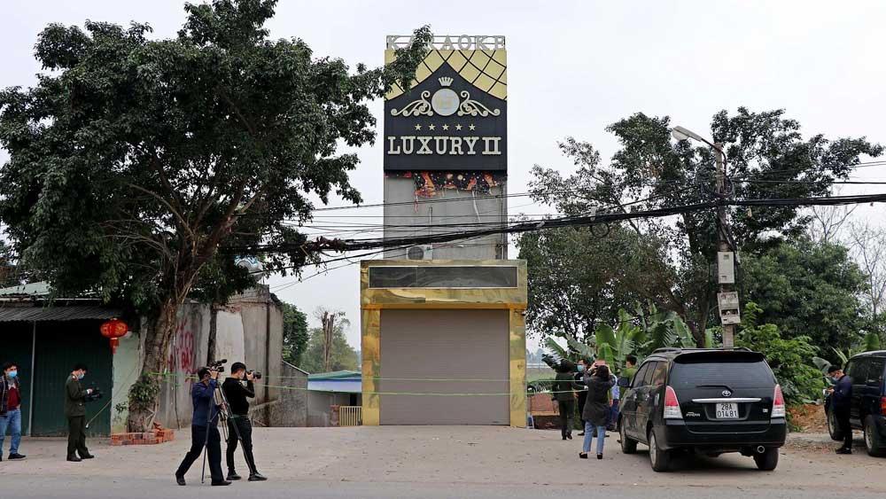Hòa Bình, Khởi tố, bị can , vụ trọng án, quán karaoke, 3 người chết, 5 người bị thương