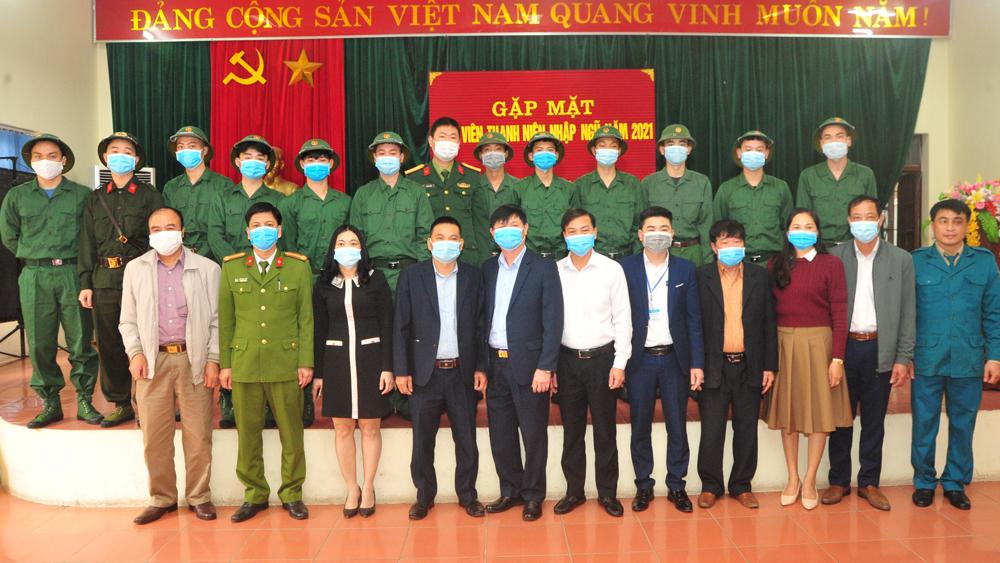 TP Bắc Giang: Cấp phát quân trang, tặng quà, động viên công dân nhập ngũ năm 2021