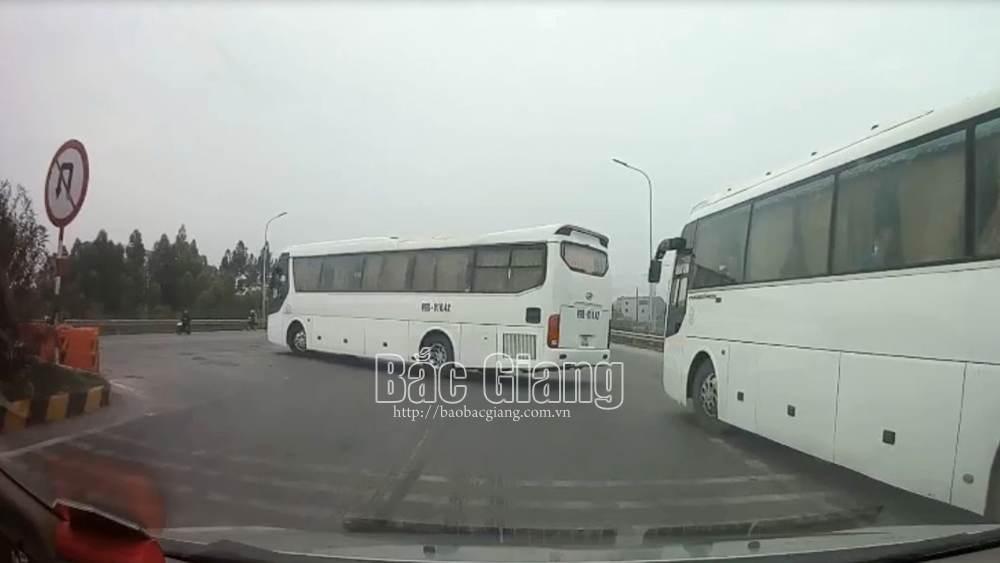 Người dân cung cấp hình ảnh, cảnh sát giao thông Bắc Giang xử phạt 2 lái xe ô tô vi phạm trên cao tốc