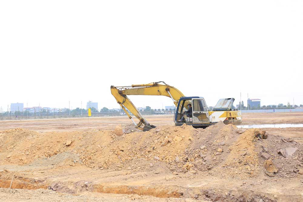 Provincial leader, Viet Yet district , site clearance