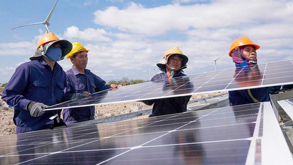 Electricity oversupply, authorities, cut solar output