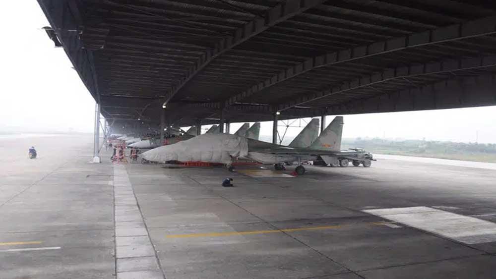 Bac Giang, Kep airport, dual-use airport
