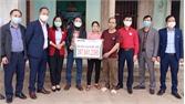 Trao gần 400 triệu đồng giúp gia đình khó khăn ở huyện Sơn Động