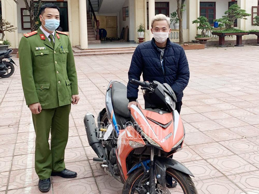 Bắc Giang: Một công nhân nhận lại xe máy sau 2 tháng bị mất trộm