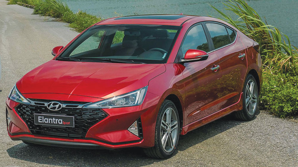 Hyundai Elantra - Tăng tốc tới tương lai