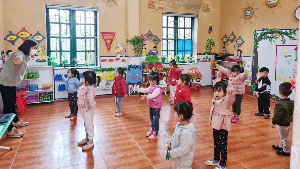 Bắc Giang: Học sinh các vùng mới tháo dỡ cách ly phấn khởi trở lại trường