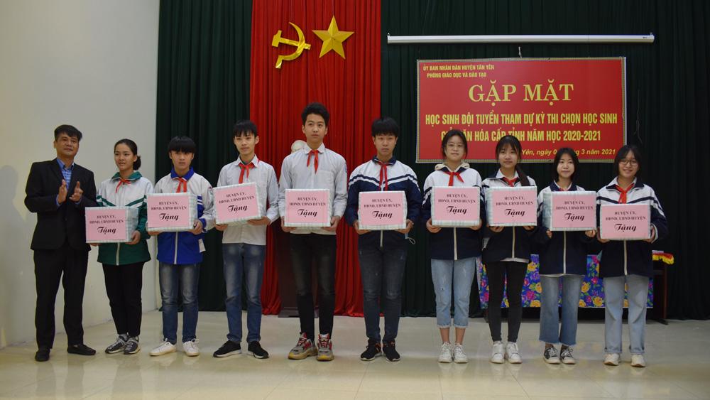 Huyện Tân Yên có 72 học sinh dự thi chọn học sinh giỏi cấp tỉnh