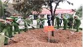 Thiếu tướng Trần Văn Thiện phát động trồng cây tại Trại giam Ngọc Lý
