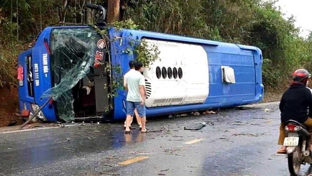 tai nạn, lật xe, Kon Tum, xe khách giường nằm