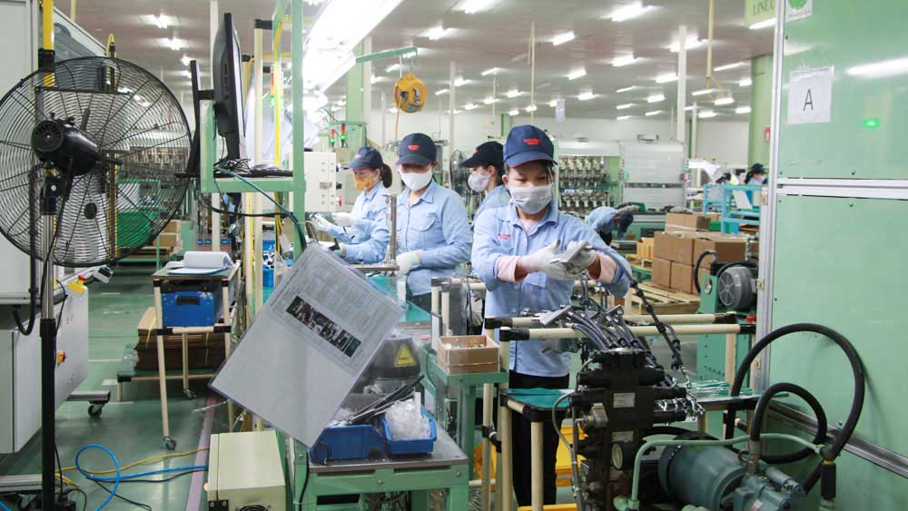 Bac Giang removes bottlenecks to speed up business environment improvement