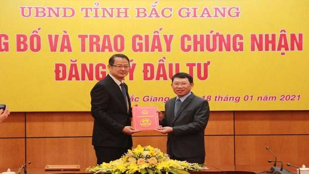 Foxconn invests 700 million USD in Vietnam