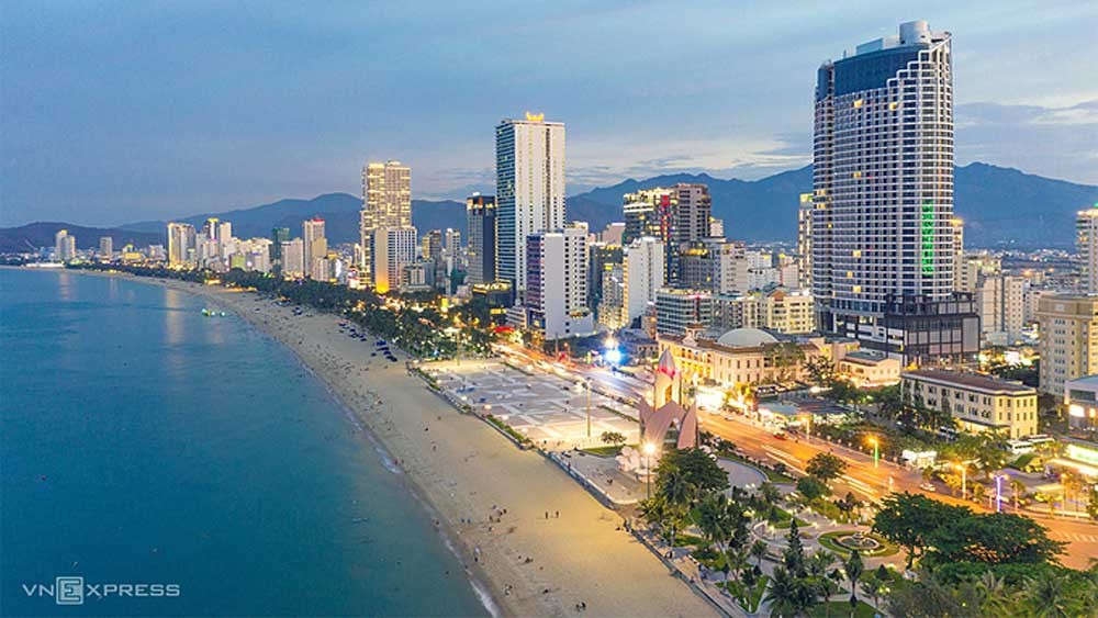 Nha Trang to develop night-time food street along beach