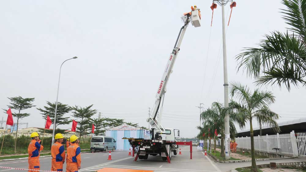 Bac Giang works to ensure power supply for industrial development