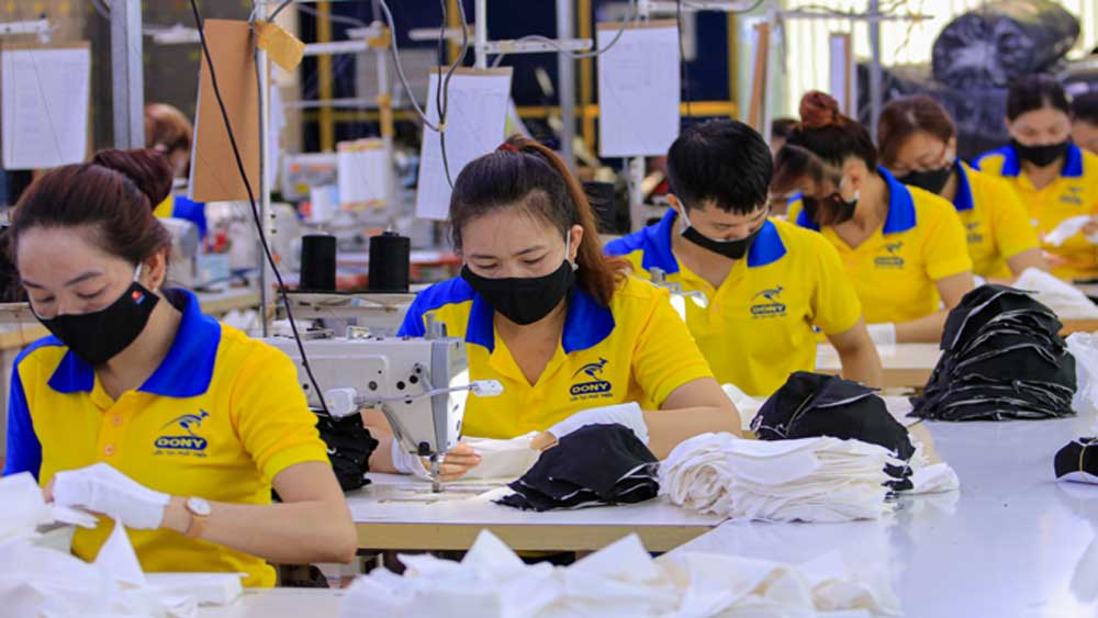 35 pct of businesses lay off workers due to pandemic