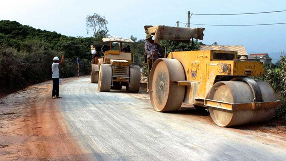 Bac Giang to spend nearly 93.7 billion VND maintaining roads in 2021
