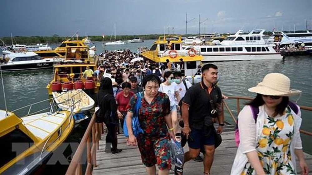 Indonesia đặt kế hoạch mở cửa đón khách du lịch quốc tế vào tháng 6