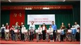 Trao xe đạp cho học sinh nghèo vượt khó tại huyện Hiệp Hòa