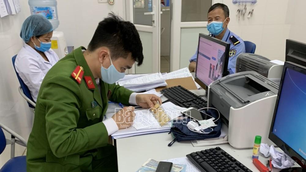 Một điều dưỡng, Bệnh viện Ung bướu Bắc Giang, tìm trả, túi đồ , cây vàng, bác sĩ, đánh mất