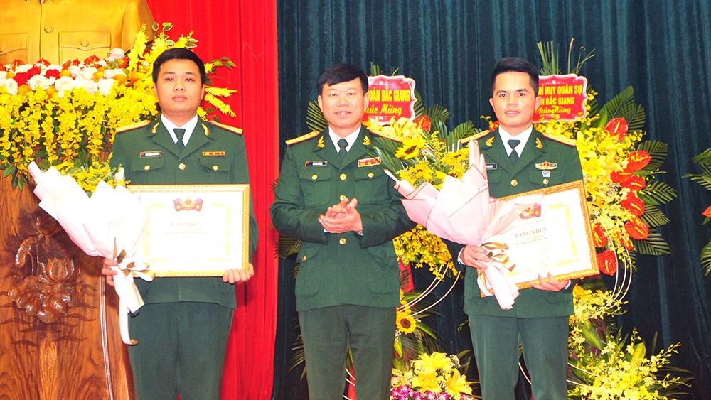 Bộ CHQS tỉnh Bắc Giang tuyên dương cán bộ Đoàn và gương mặt trẻ tiêu biểu