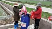 Nông dân Yên Dũng ra quân thu gom rác thải, vỏ thuốc bảo vệ thực vật