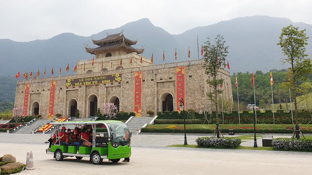 Du khách, dịp 30-4, 1-5, du lịch Bắc Giang, giá vé hàng không, dịp nghỉ lễ, khách du lịch rục rịch tăng