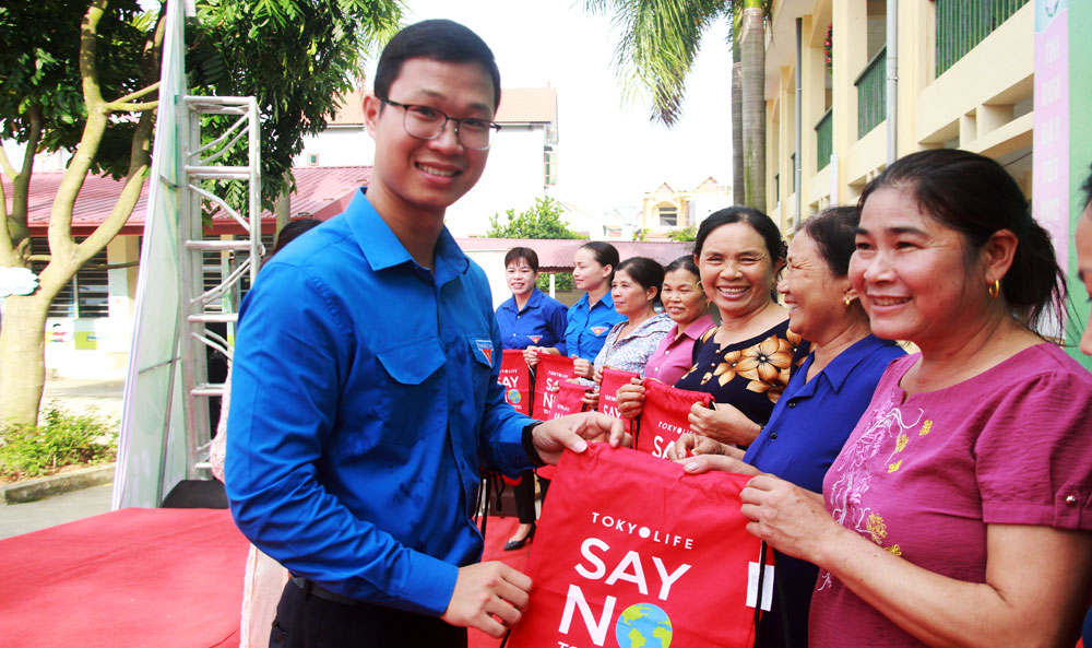 Thế hệ trẻ, tư tưởng Hồ Chí Minh, Chủ tịch Hồ Chí Minh, Bồi dưỡng thế hệ cách mạng cho muôn đời sau
